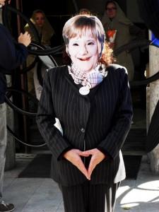 Bild: Merkel posiert vor Commerzbank